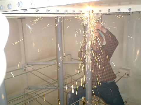 受水槽水漏れ対策工事1